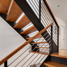 Contemporary Staircase by Becker Architects Limited