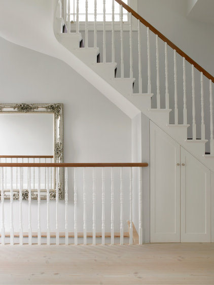 Traditional Staircase by STEPHEN FLETCHER ARCHITECTS