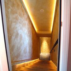 Traditional Staircase by Daniel Gordon | Renovation Artistry