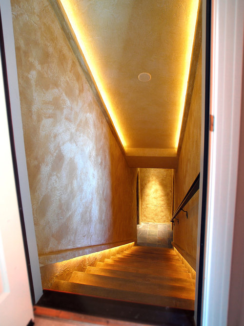 Enclosed staircase design ideas remodels photos for Enclosed staircase design