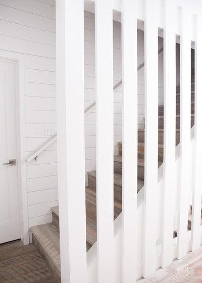 Transitional Staircase by Albertsson Hansen Architecture, Ltd