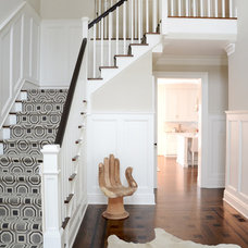 Transitional Staircase by d2 interieurs