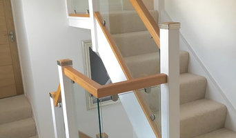Wood & Glass Staircase Finish