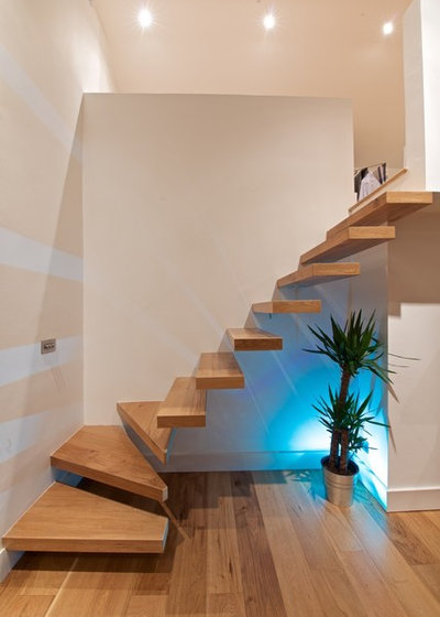 Contemporary Staircase by Extend