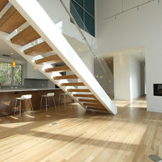 Contemporary Staircase by M+A Architecture Studio
