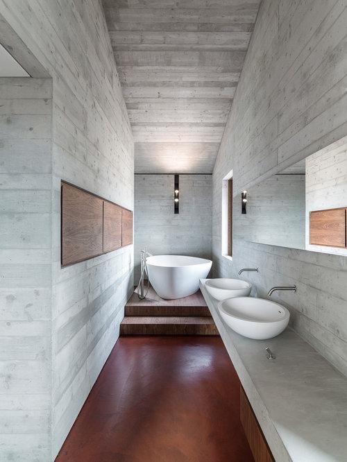Bagno moderno con pavimento in cemento - Foto, Idee, Arredamento