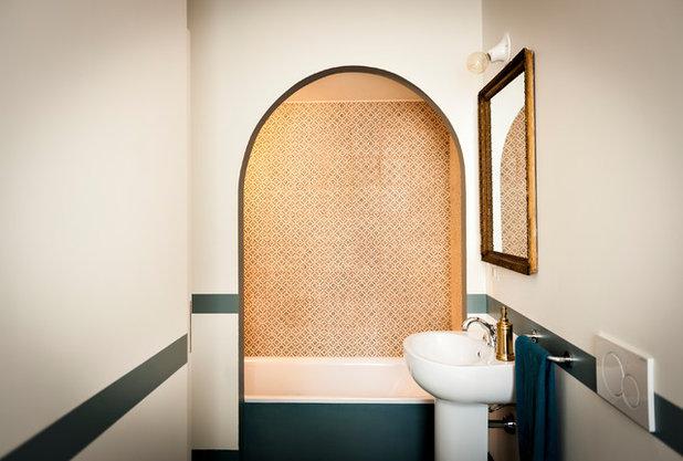 Современный Ванная комната by IB Studio