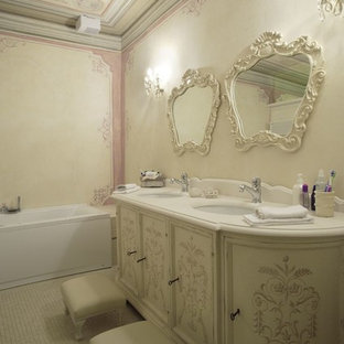 This is an example of a traditional bathroom in Venice.