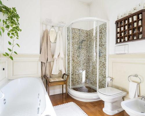Bagno classico con pareti beige - Foto, Idee, Arredamento