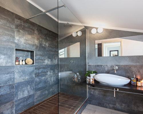 Bagno con piastrelle grigie foto idee arredamento