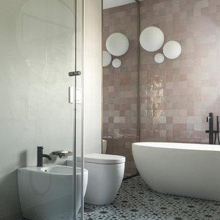 Bagno padronale con vasca e doccia