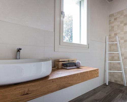 Wohnidee Für Moderne Duschbäder Mit Schränken Im Used Look, Offener Dusche,  Wandtoilette,