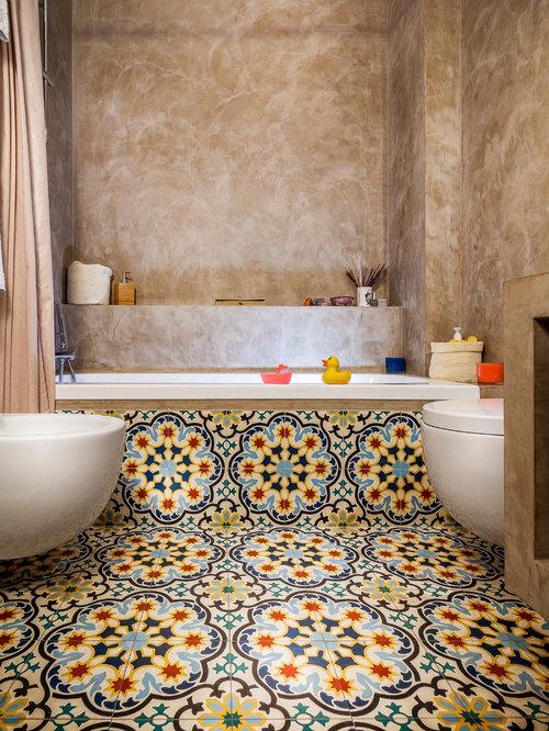 mediterrane badezimmer mit duschbadewanne ideen design bilder houzz