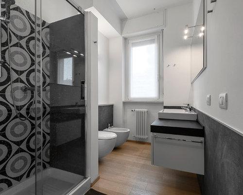 Bagno con pistrelle in bianco e nero foto idee arredamento