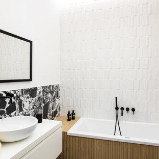 Esempio di una stanza da bagno nordica