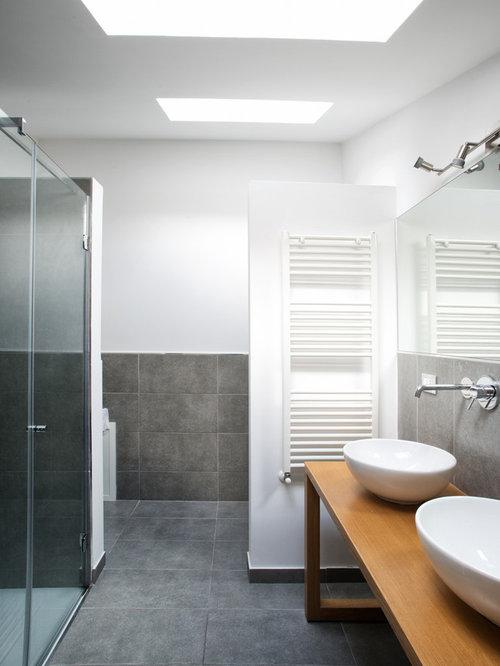 Foto e Idee per Stanze da Bagno - stanza da bagno con piastrelle grigie