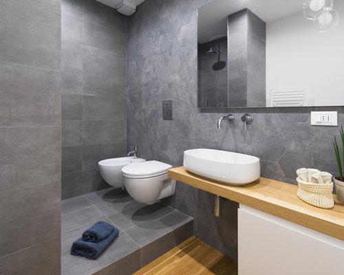 Bagno moderno con parquet chiaro foto idee arredamento