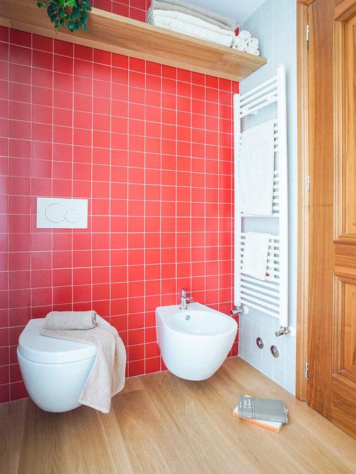 Bagno con piastrelle rosse - Foto, Idee, Arredamento