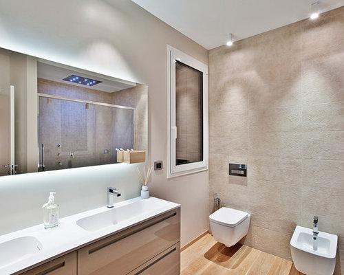 bagno moderno con parquet chiaro - foto, idee, arredamento - Bagni Moderni Beige E Marrone