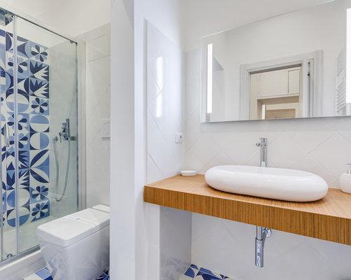 Bagno con piastrelle blu e bianche piastrelle bagno blu e bianche