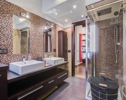 Bagno Legno E Mosaico : Bagno con top in legno e piastrelle a mosaico foto idee