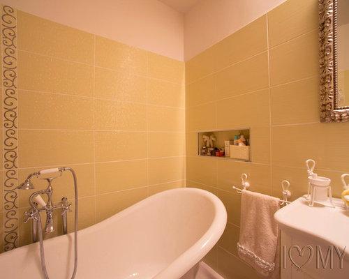 Bagno con pareti gialle torino foto idee arredamento