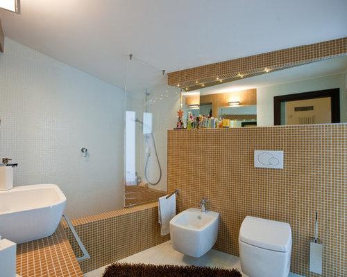 Bagno con pavimento con piastrelle a mosaico foto idee for Pavimento con mosaico