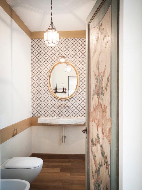 Foto e idee per bagni bagno classico for Parete piastrelle bianche