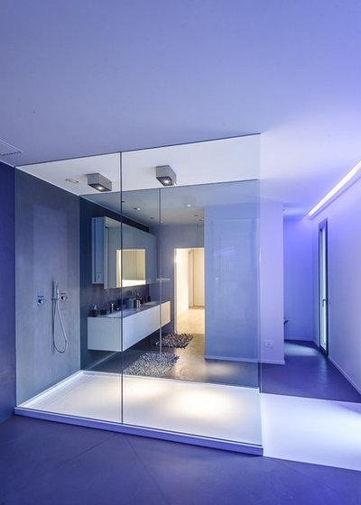 Contemporary Bathroom by Officina 1.4