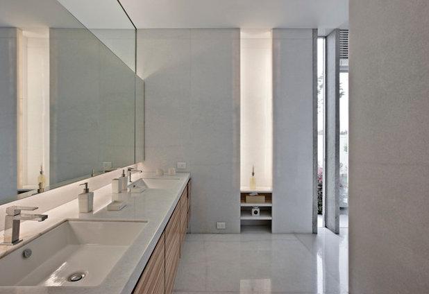 Contemporary Bathroom by Laura Rizzi