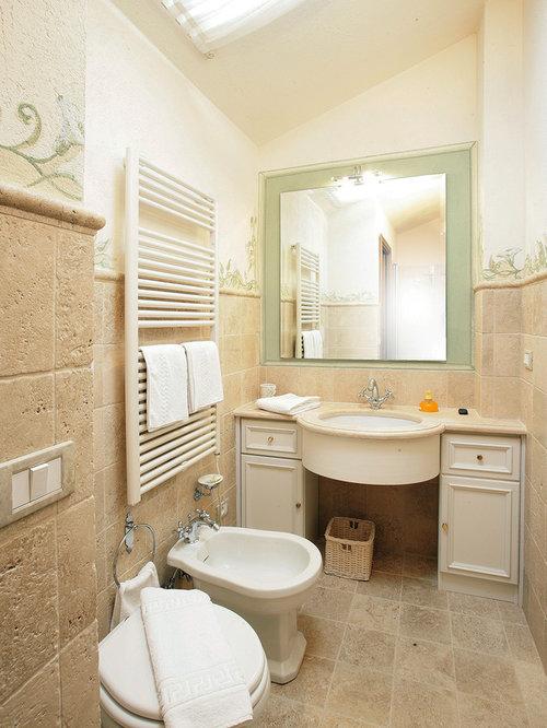 Bagno con ante con riquadro incassato foto idee for 2 piani di camera da letto e 2 bagni
