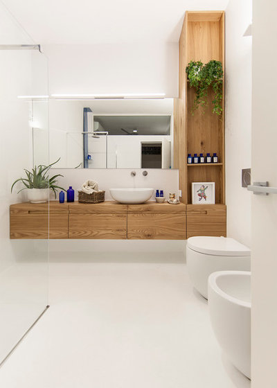 Contemporary Bathroom by Didonè Comacchio Architects