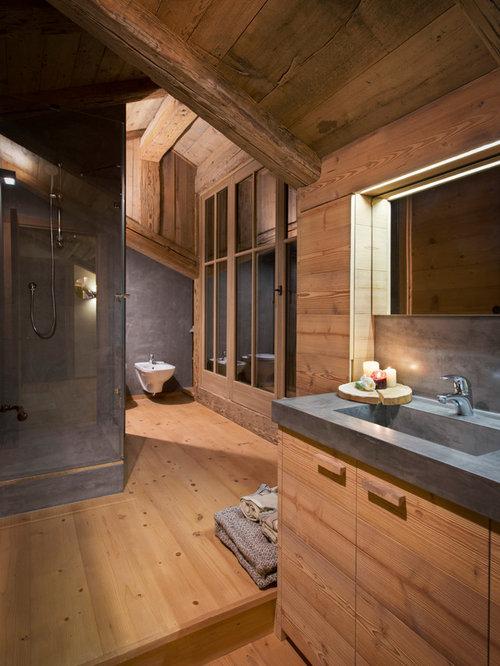 salle de bain montagne avec un sol en bois clair photos et id es d co de salles de bain. Black Bedroom Furniture Sets. Home Design Ideas