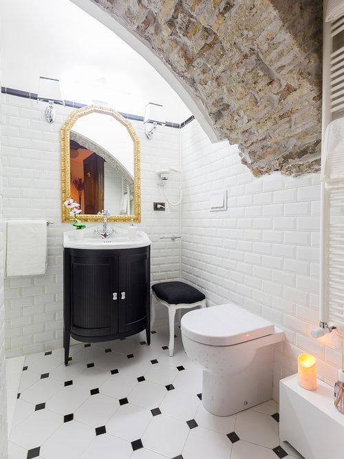 Stanza da bagno con piastrelle diamantate foto idee arredamento - Piastrelle bianche e nere ...