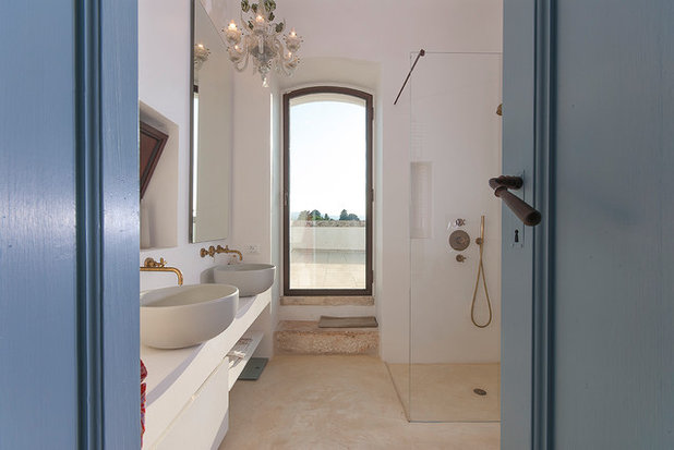 Mediterranean Bathroom by Studio Talent