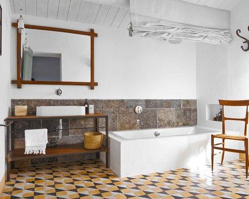mediterrane badezimmer mit steinplatten design ideen. Black Bedroom Furniture Sets. Home Design Ideas