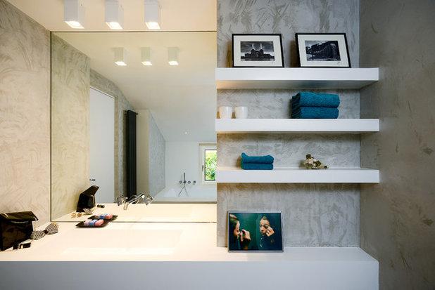 Contemporaneo Stanza da Bagno by Arabella Rocca Design