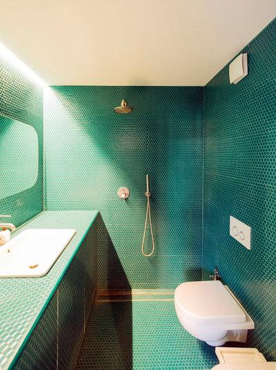 Contemporary Bathroom by Miro Architetti