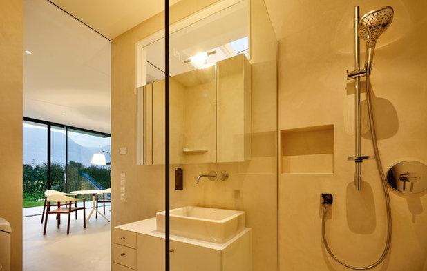 モダン 浴室 by Oskar Da Riz Fotografie