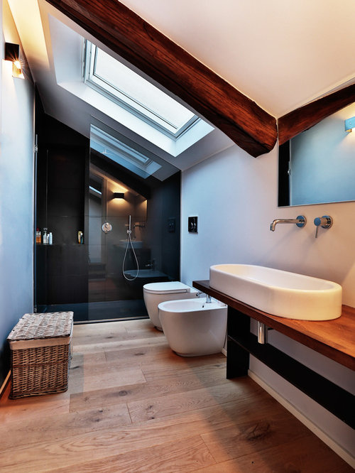 salle de bain contemporaine avec un bidet photos et. Black Bedroom Furniture Sets. Home Design Ideas