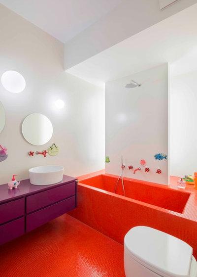 Contemporary Bathroom by Cristiana Vannini