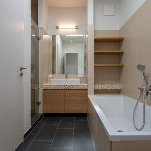 Badezimmer mit gefliestem Waschtisch Ideen, Design & Bilder | Houzz