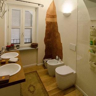 Exempel på ett shabby chic-inspirerat badrum
