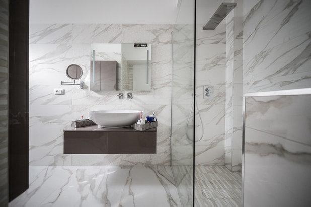 Moderno Stanza da Bagno by architettura&designfactory Arch. V. Solera