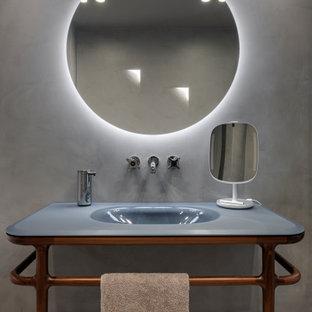 Immagine di una stanza da bagno con doccia contemporanea di medie dimensioni