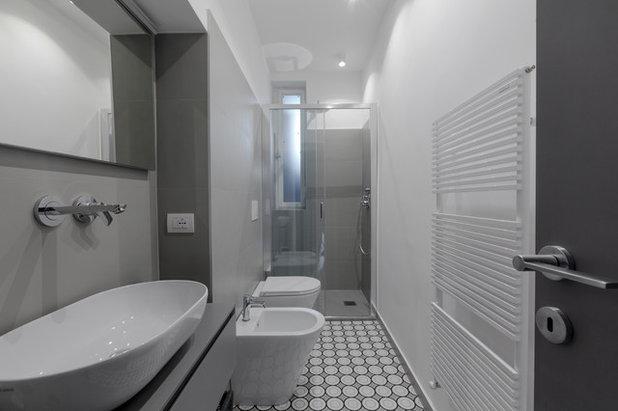 Contemporaneo Stanza da Bagno by Gruppo Tre Architetti