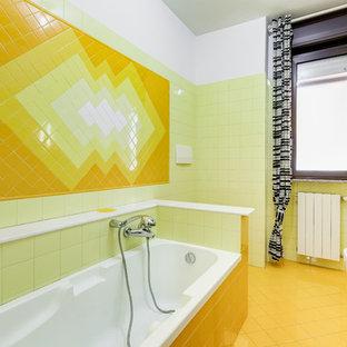 Ejemplo de cuarto de baño moderno con armarios con paneles lisos, puertas de armario naranjas, baldosas y/o azulejos blancos, paredes blancas, lavabo tipo consola y suelo blanco