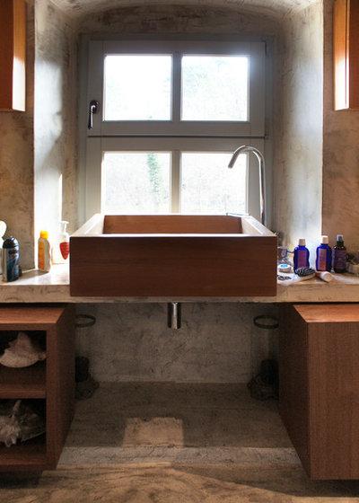 Современный Ванная комната by studio b-arch