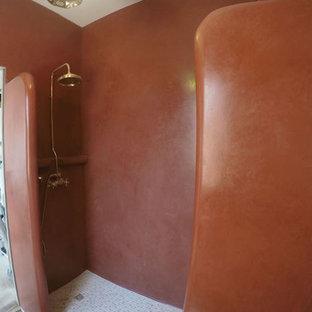 ローマのアジアンスタイルのおしゃれな浴室 (赤い壁) の写真