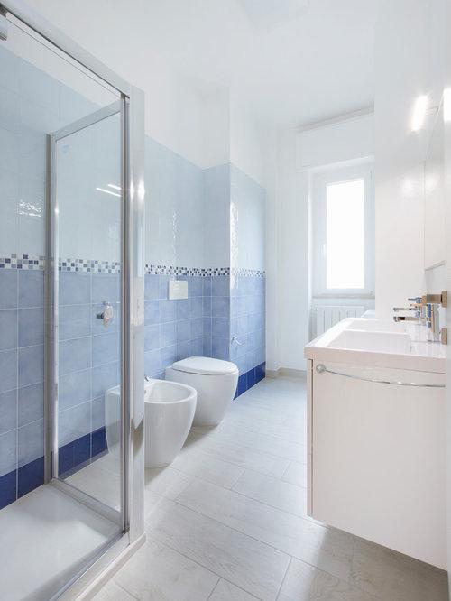 Foto e idee per stanze da bagno stanza da bagno al mare for Aggiungendo una stanza al garage